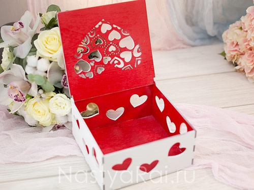 Шкатулка для конвертов Love is
