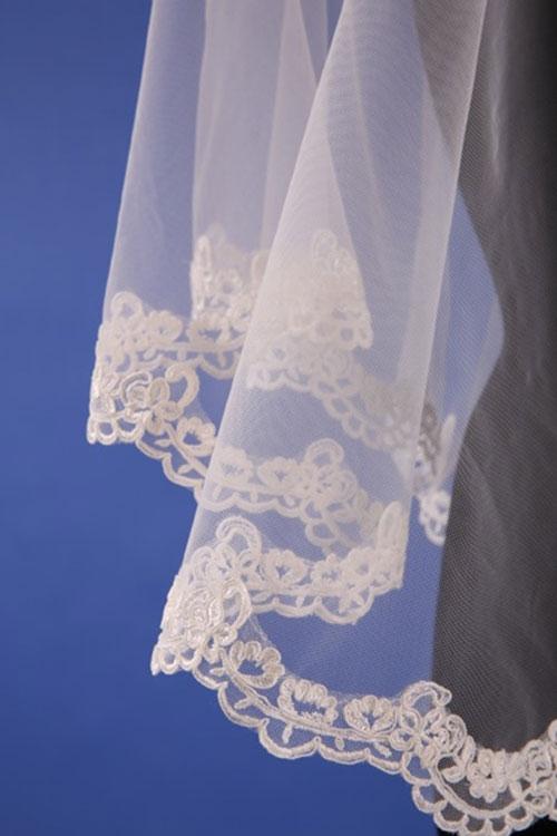 Фата для венчания с кружевом
