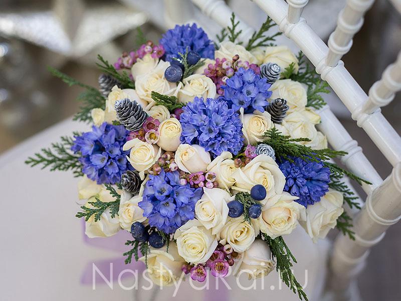 Сине белые букеты на свадьбу 8