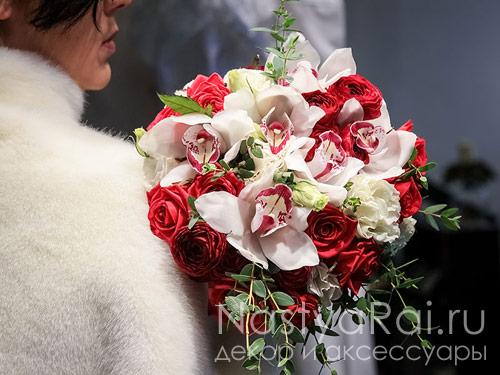 Букет невесты из орхидеи, ранункулюсов, эустомы