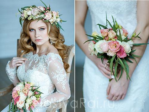 Нежный букет невесты из роз и эустом