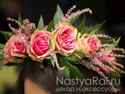 Свадебный венок из розовых роз