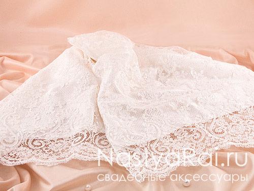 Свадебный рушник с кружевом цвета айвори