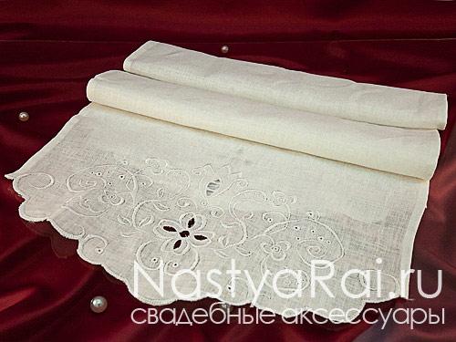 Рушник льняной с вышивкой белый