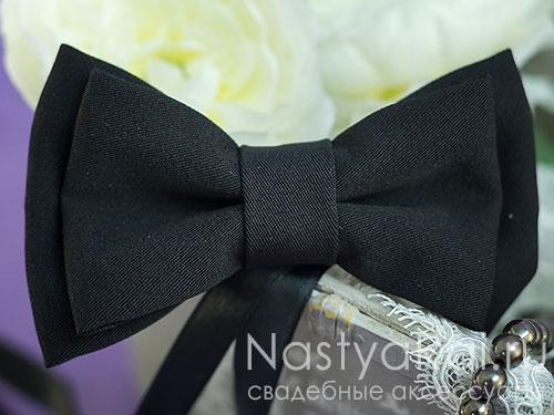 Черный галстук-бабочка