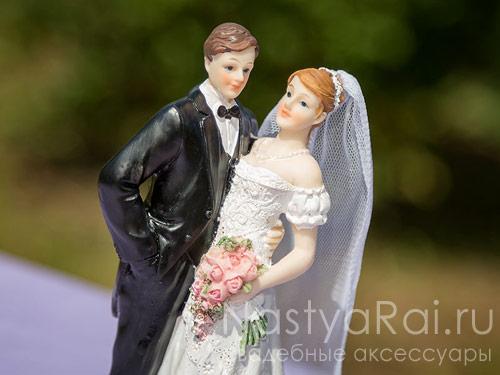 Фигурка на свадебный торт, неввеста с фатой