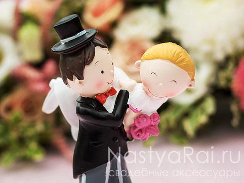 Веселая свадебная фигурка