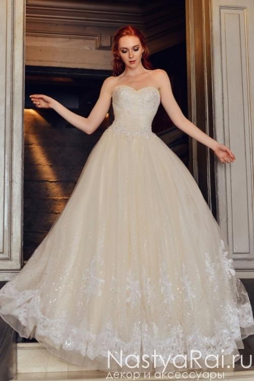 Свадебное платье с расшитым лифом FC001