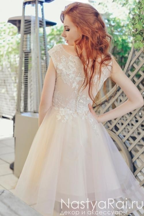 Короткое нарядное платье с кружевом ZIS001