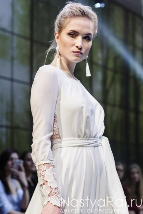 Свадебное платье из шифона и вставками из кружева ZOF006