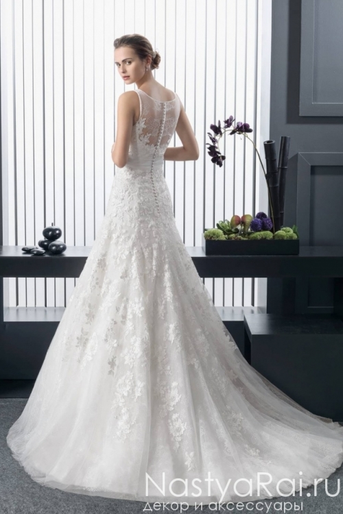 Свадебное кружевное платье с цветком ROSA CLARA 8A19