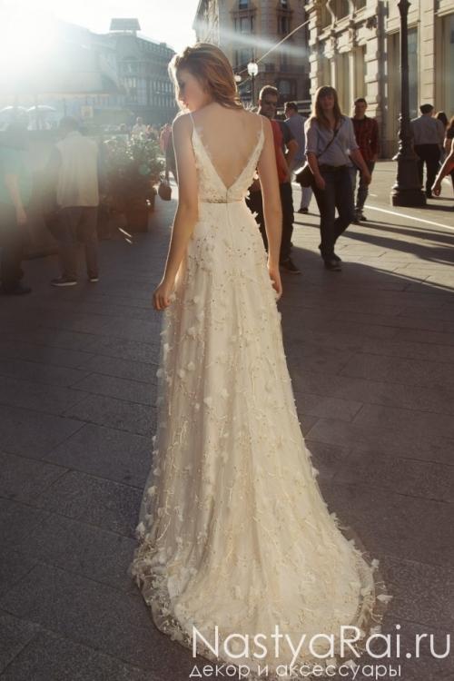 Свадебное платье из кружева с объемными цветами ZAR001