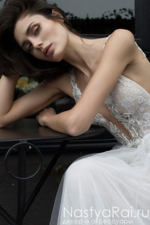 Свадебное платье c открытой спиной и шлейфом RIKI DALAL RD-212