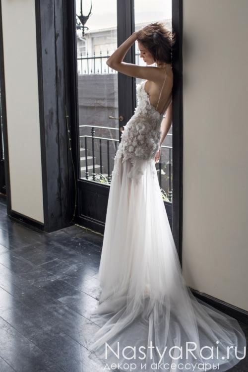 Свадебное платье с объемными цветами RIKI DALAL RD-211