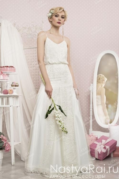 Свадебное платье из кружева на тонких лямках TB056