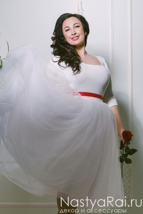 Свадебное платье длины миди ZRM007