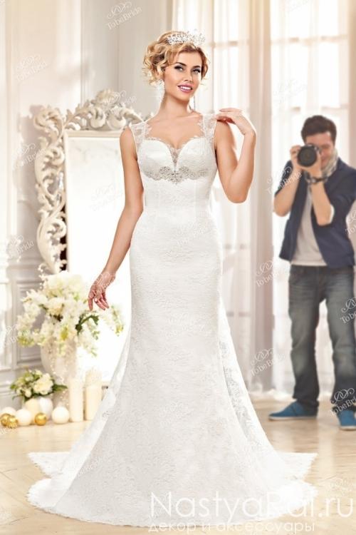 d2f83310bbe Свадебные наряды с открытой спиной для невесты в каталоге с фото и ...